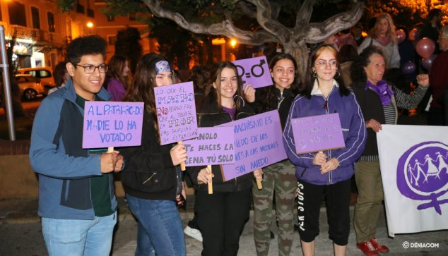 Image: Participants in the demonstration