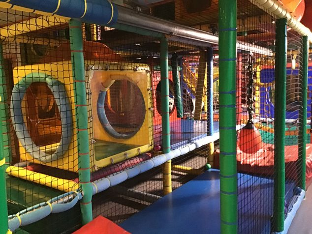 Imatge: Sala de jocs en Mon Blau