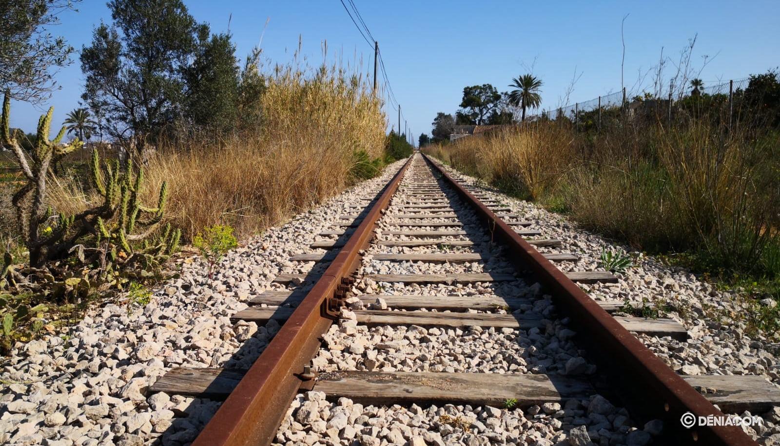 Vía del tren en Dénia