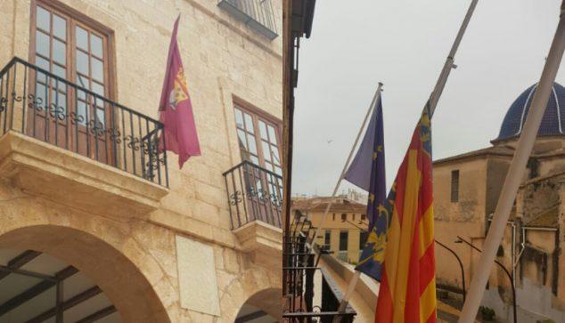 Imagen: Banderas a media asta del ayuntamiento