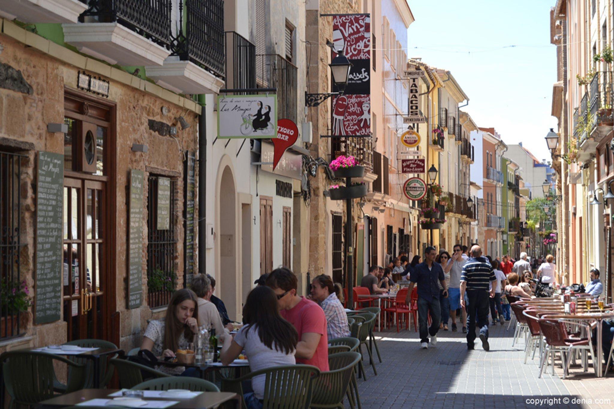 Imagen de archivo de las terrazas de la calle Loreto, en Dénia