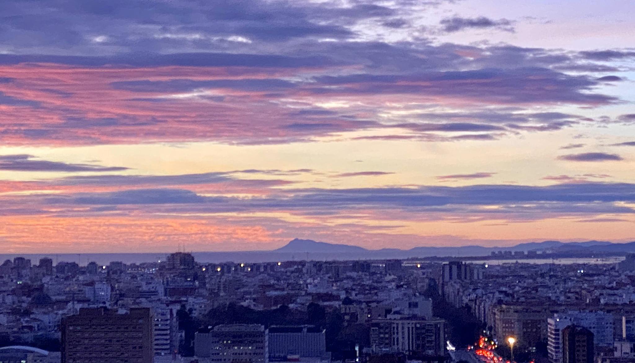 El Montgó vist des de València