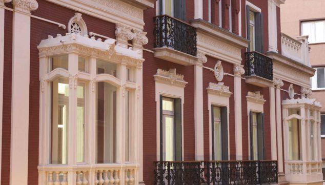 Image: Detail of the facade of the Juan Gil-Albert Institute