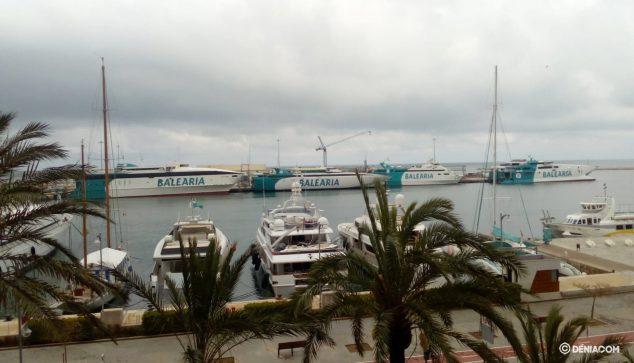 Imatge: Flota de Baleària amarrada