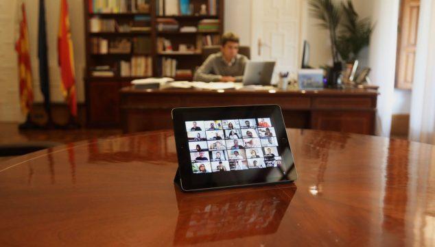 Imagen: Imagen del primer pleno online de la Diputación de Alicante (Fuente: Página web oficial de la Diputación)