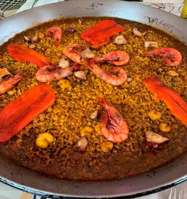 Imagen: Paella pascuera – J. Justo