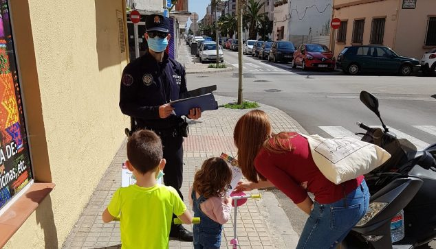 Image: Police information tasks in Dénia