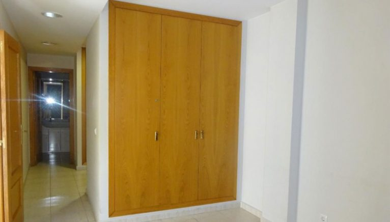 Built-in wardrobe in a flat for sale in Dénia - Casas Singulares