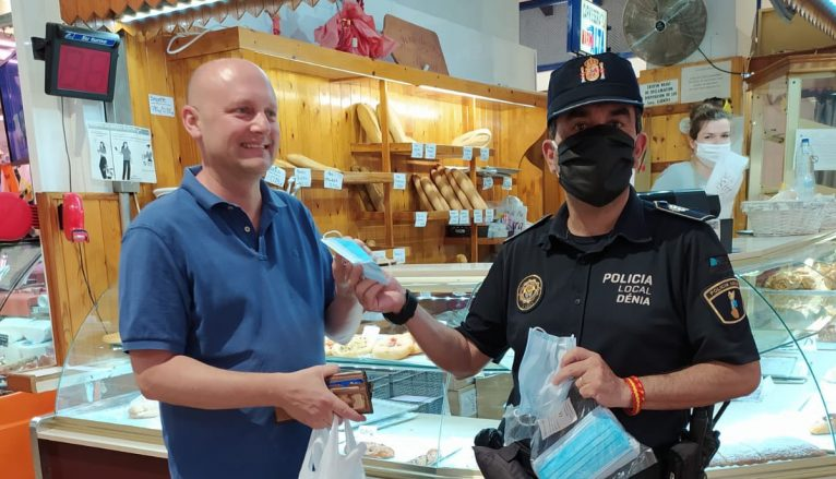 Campaign for the use of local police masks