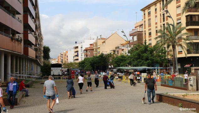 Imagen: Cola en la entrada del mercado