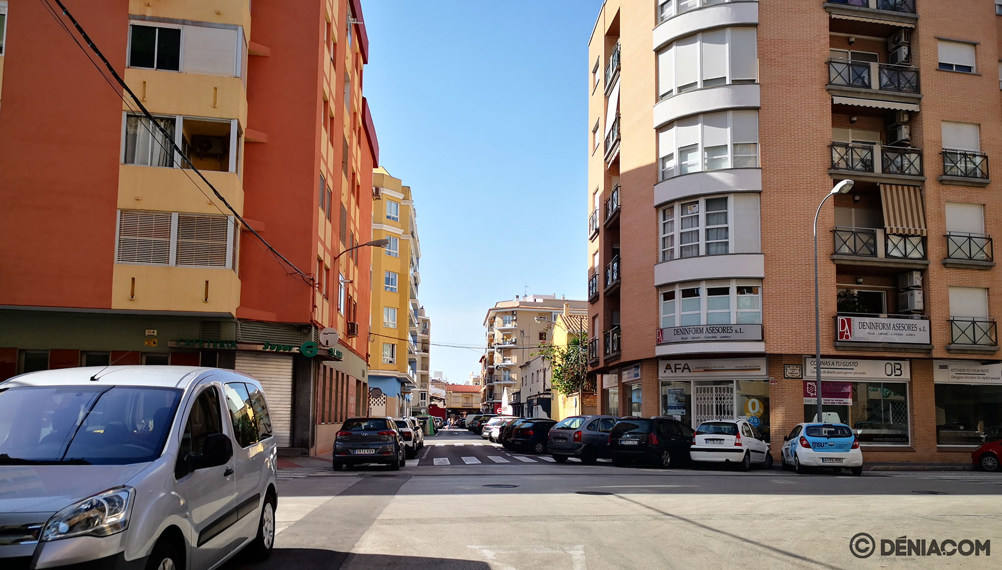 Crossing of Sertorio street with Avenida Marquesado