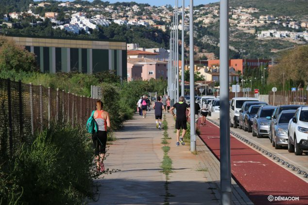Image: Sportsmen on the streets of Dénia