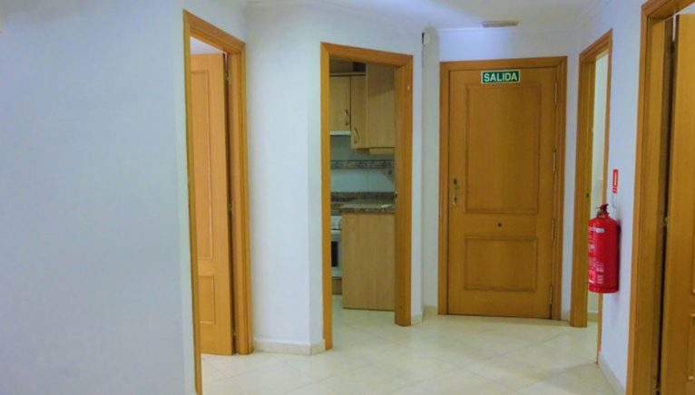 Distribuidor a las habitaciones en un piso en en venta en Dénia - Casas Singulares