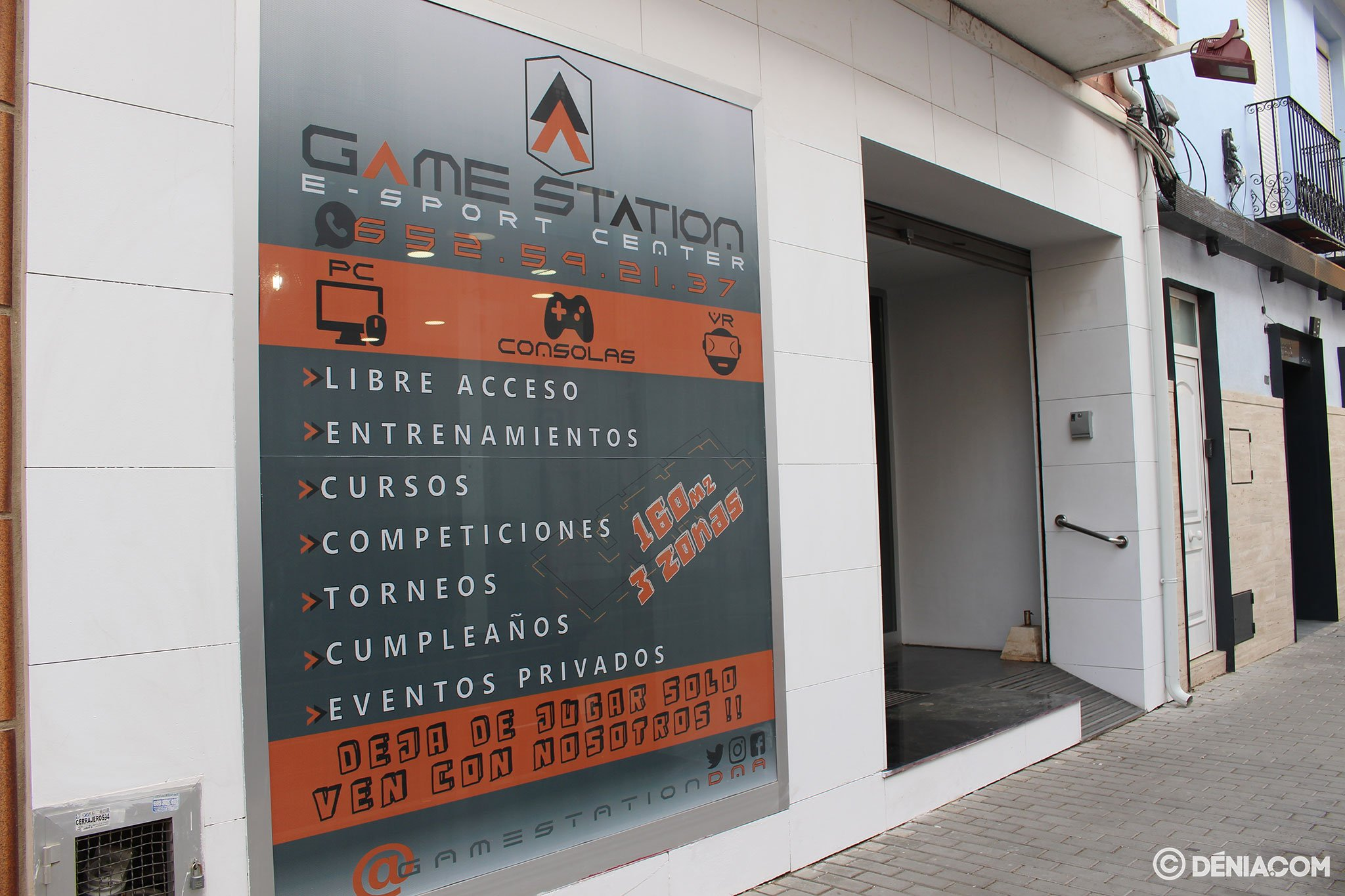 Game Station entrance