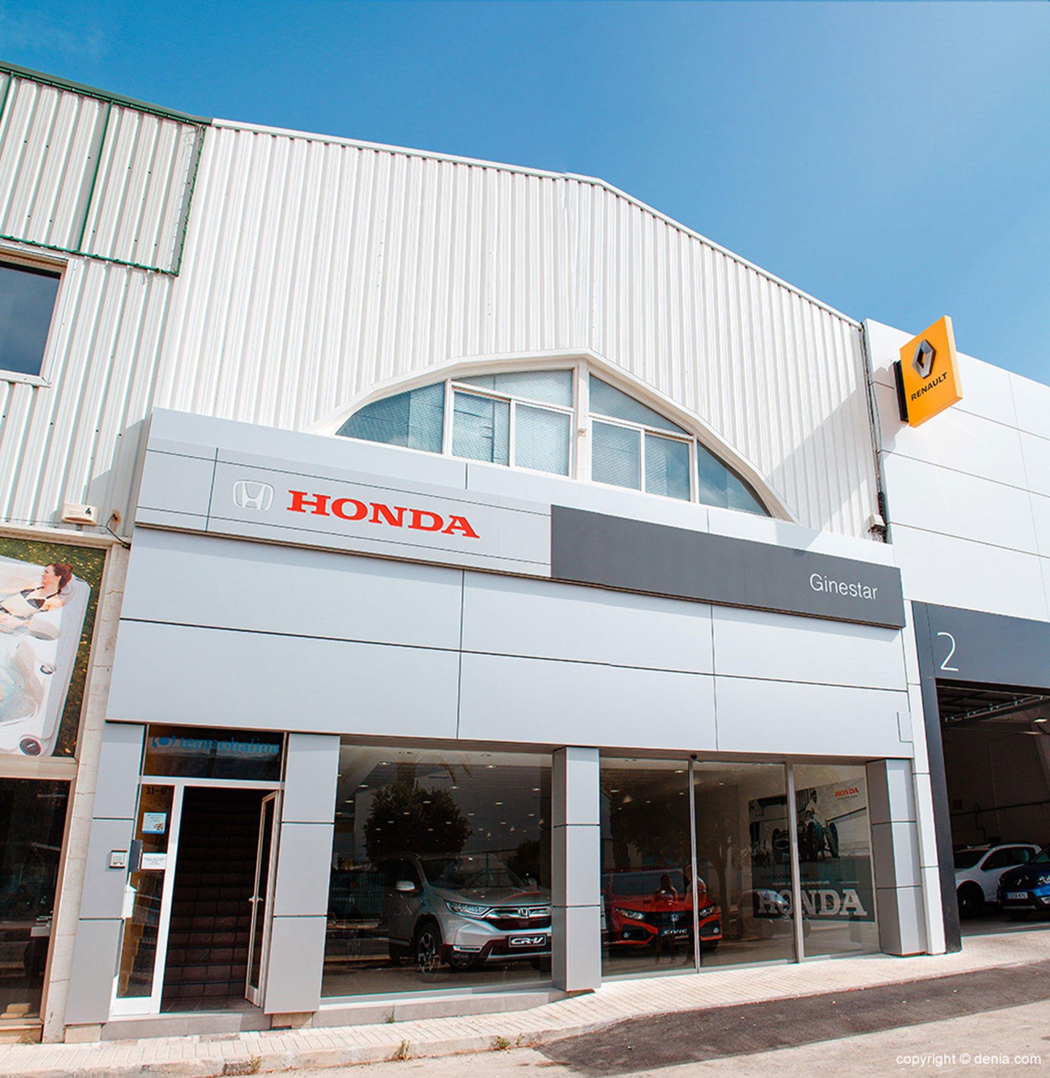 Entry of Honda Ginestar in Dénia
