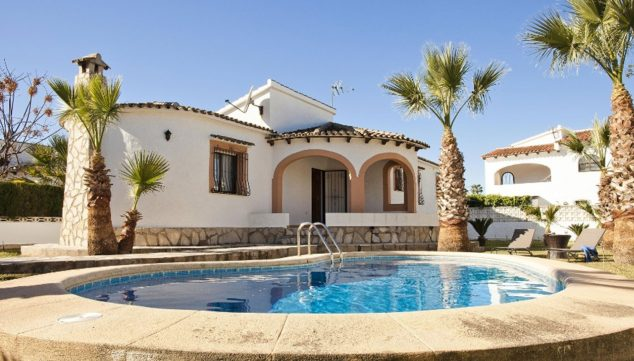 Image: Exterior view of a holiday villa for rent very close to Dénia - Deniasol