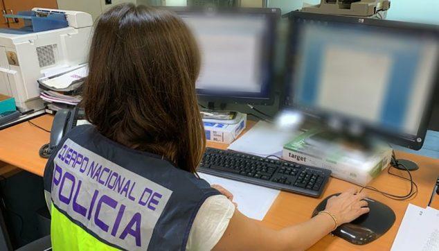 Imagen: Fotografía de delitos tecnológicos de la Policía Nacional