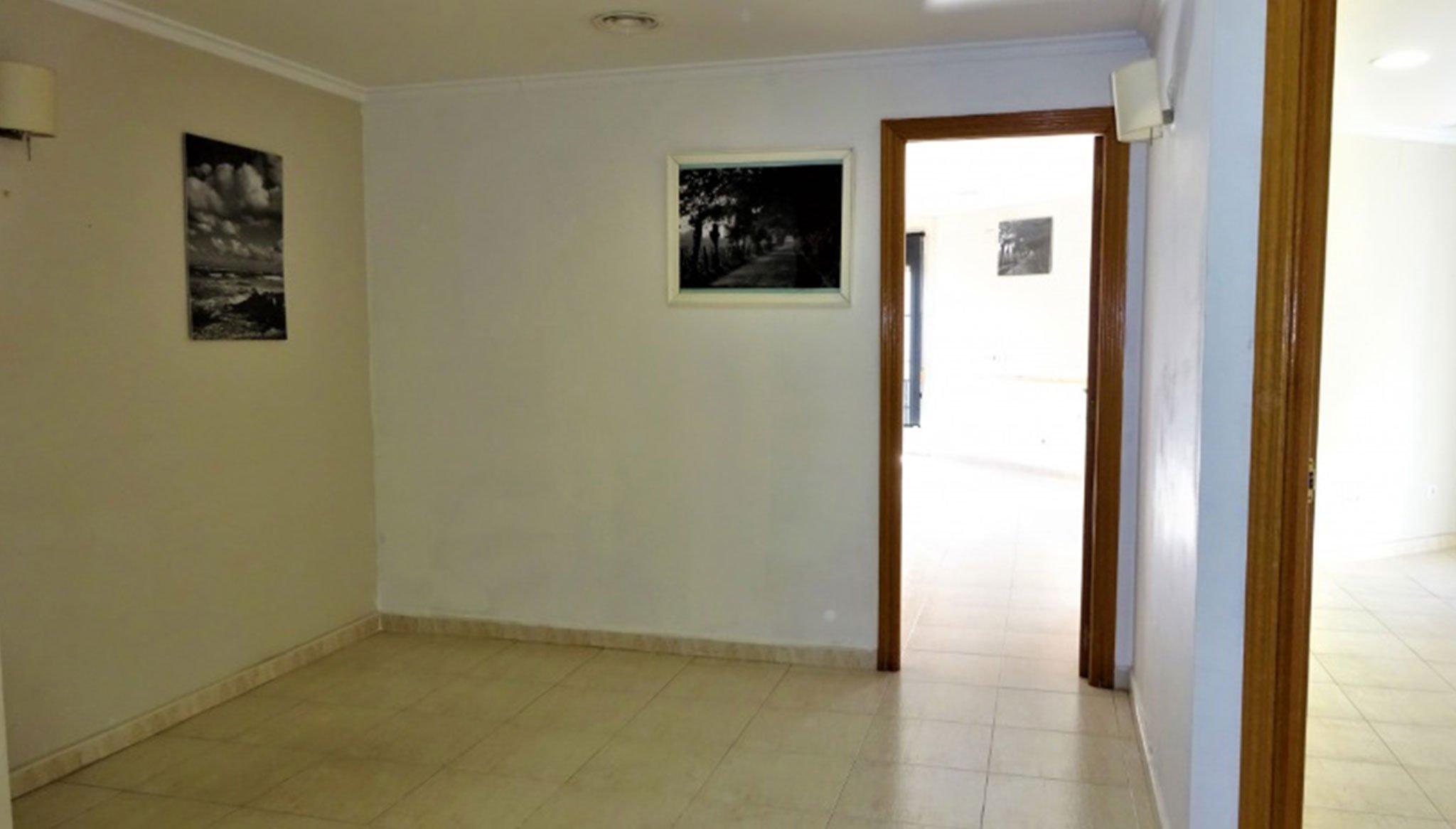 Entrance hall of a flat for sale in Dénia - Casas Singulares
