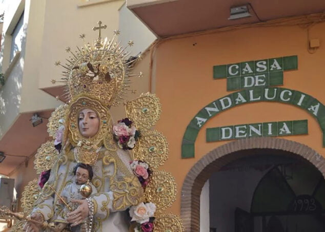 Imagen: Romería en honor a la Virgen del Rocío en Dénia