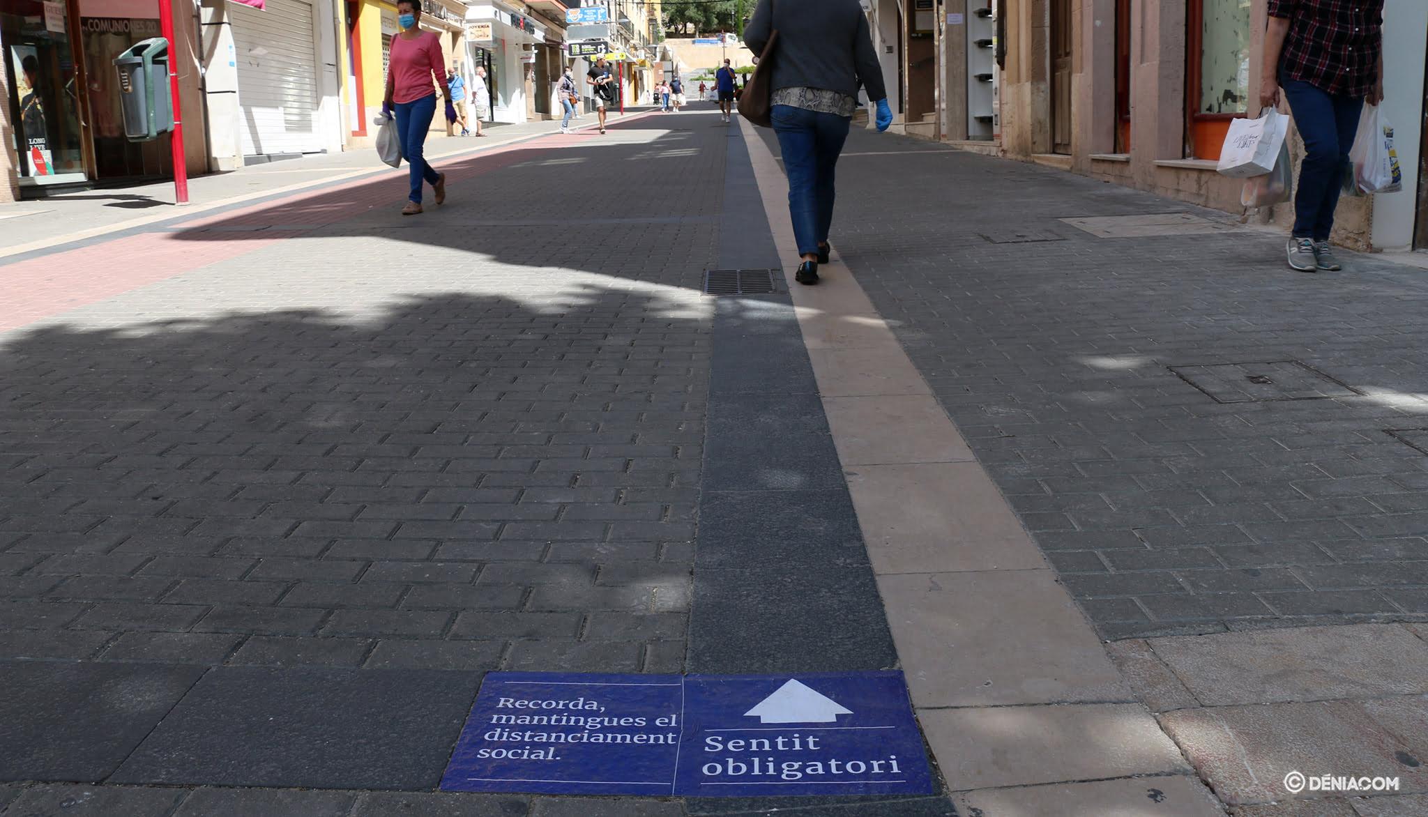 Signage mandatory sense in Diana street