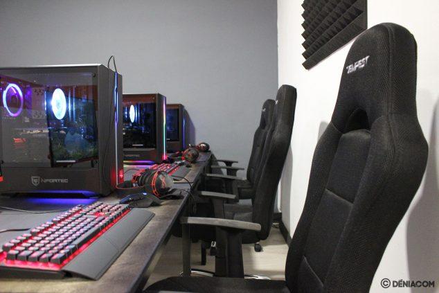Изображение: зона для занятий киберспортом в команде - Game Station