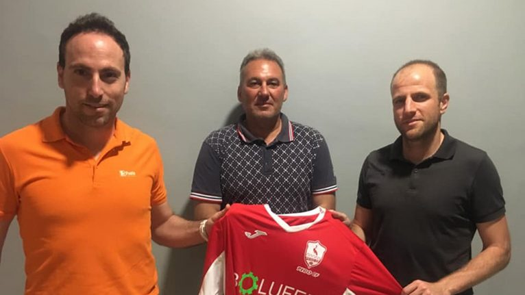 On the left, the technician Coca, together with the president of Pego and Giménez
