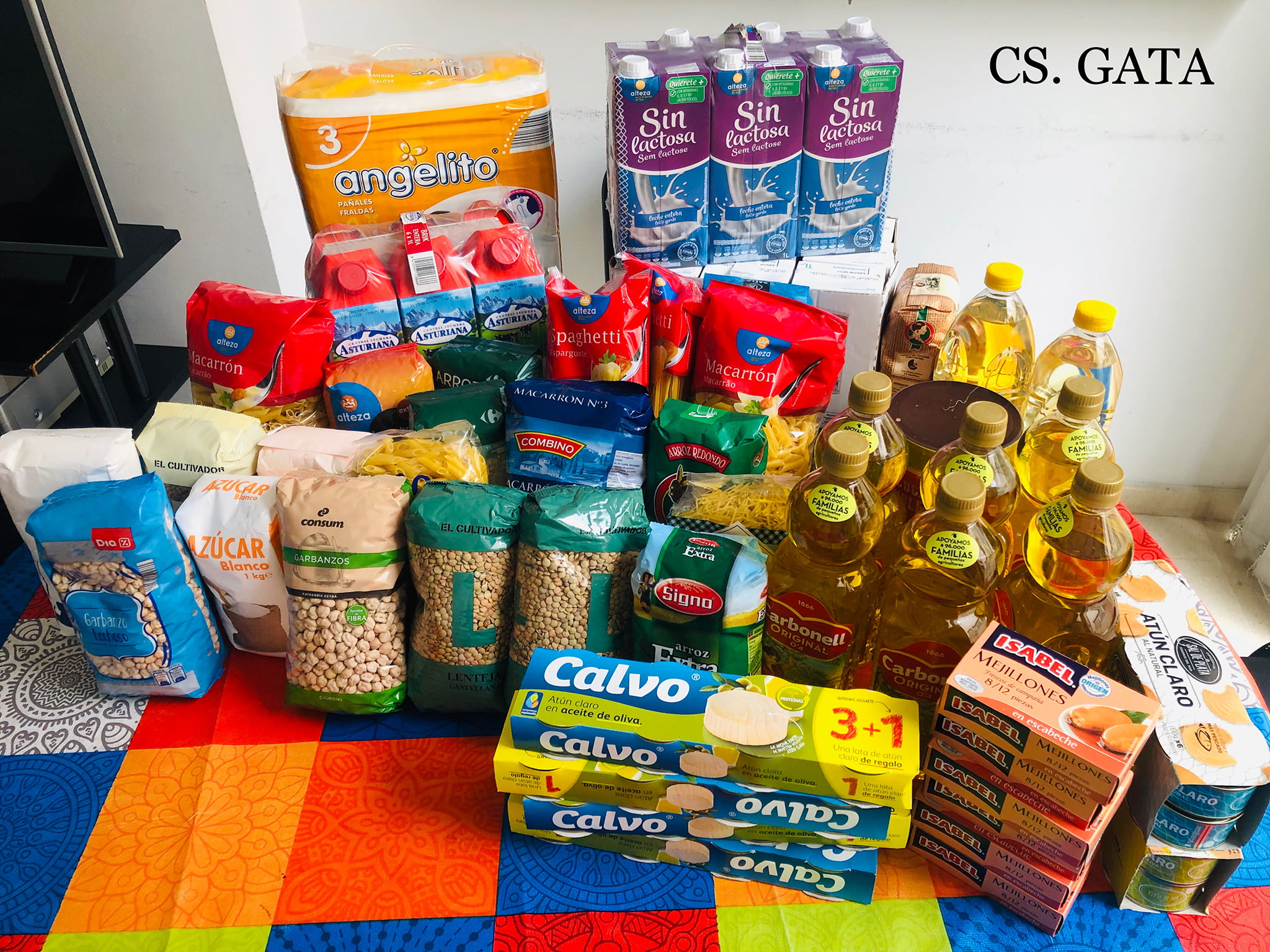 Food collected by workers at the Dénia Hospital