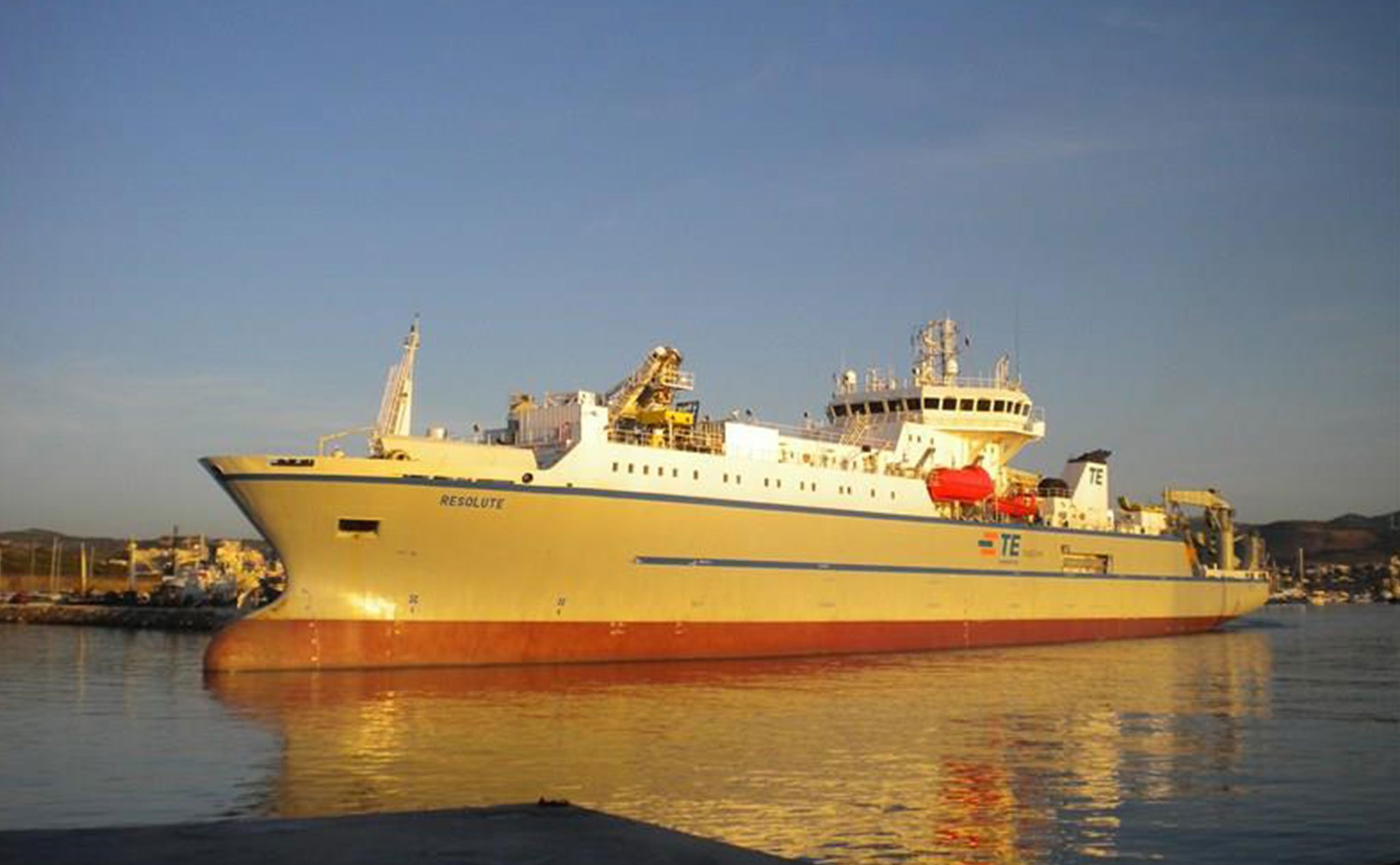 The cable ship David Costa is currently working on, the «Resolute»