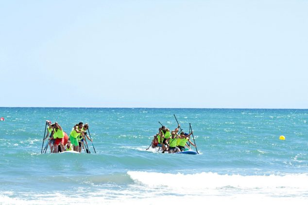 Imatge: Competició Big Sup - Es veu amb facilitat als rider, també amb sol