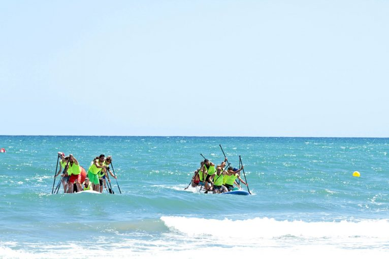 Big Sup Competition - Riders can be seen easily, even in the sun