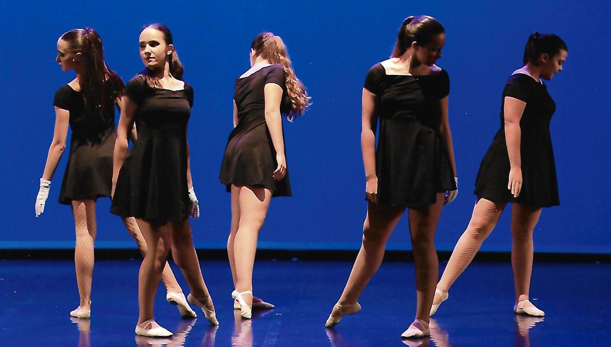 Coreografía de baile contemporáneo – Escola de Dansa Mª Ángeles Signes