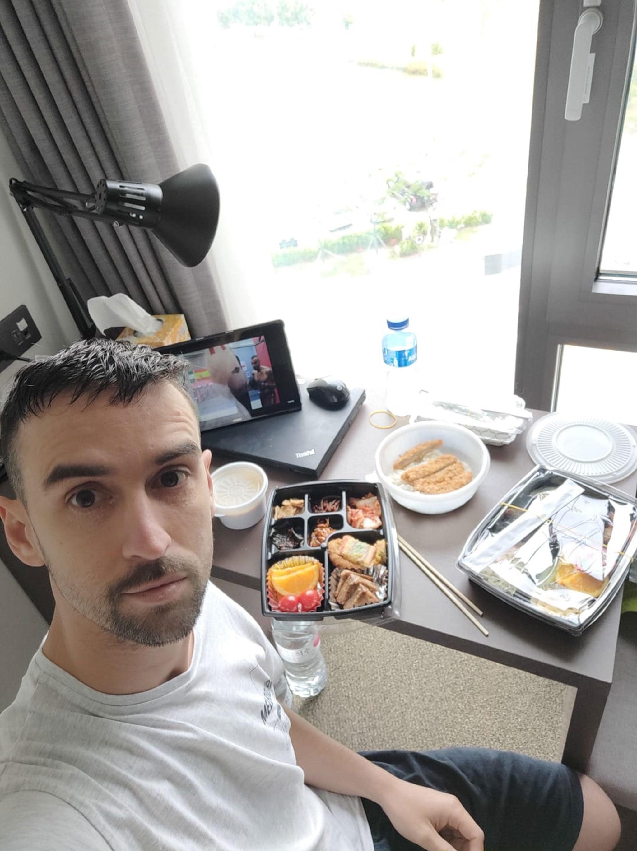David Costa confinado en un hotel de Seúl, la capital de Corea del Sur