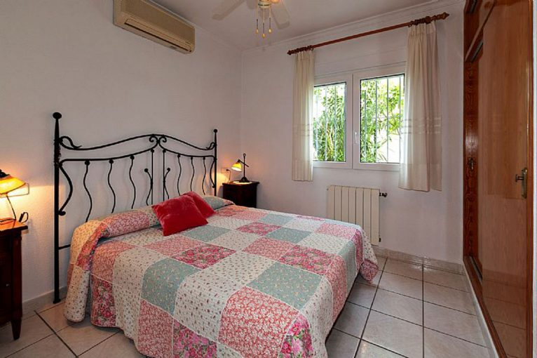Bedroom of a chalet for sale in Dénia - Euroholding