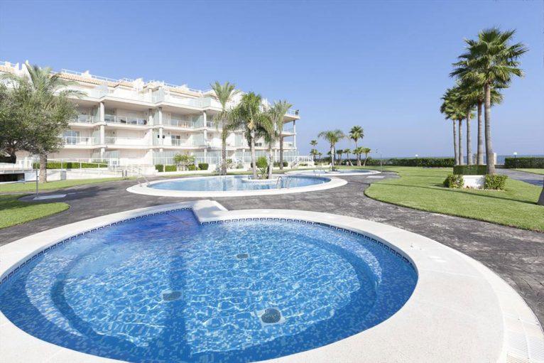 Exterior of a rental apartment in Dénia - Quality Rent a Villa