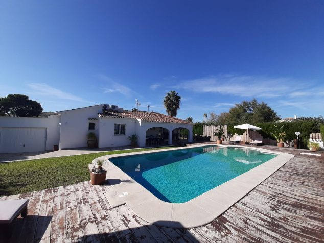 Image: Private pool in a holiday rental villa in Dénia - Aguila Rent a Villa