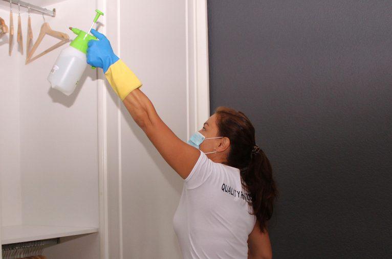 Limpieza en profundidad de los alojamientos - Quality Rent a Villa