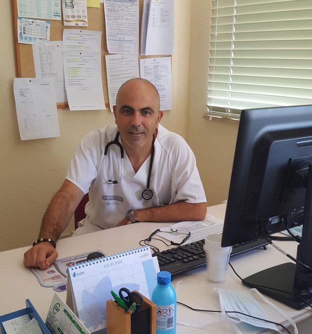 Imagen: Manuel Vallalta, médico internista del Hospital de Atención a Crónicos y Larga Estancia de La Pedrera