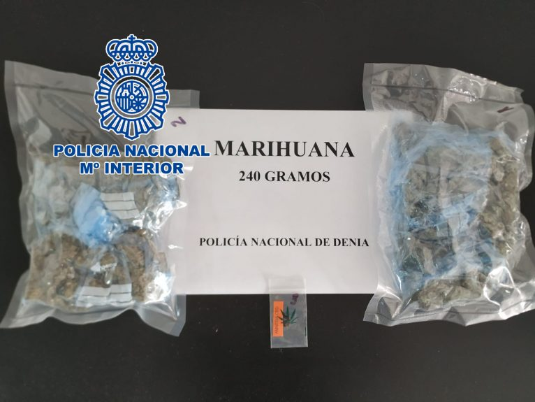 Marijuana seized from the detainee in Dénia