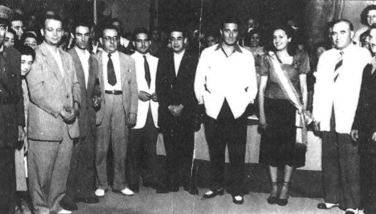 """Imagen de la primera reina de las fiestas, Vicenta Bertomeu (1949). Extraída del artículo de Vicent Balaguer """"La festa del 1901 al 1975"""" (Arxiu Municipal)"""