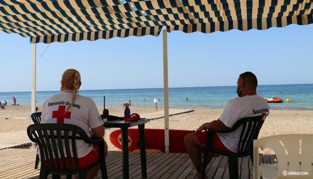 Image: Lifeguard station on the Punta del Raset beach
