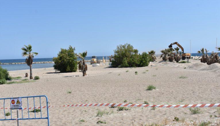 Reconstruction of the beach by Marina el Portet