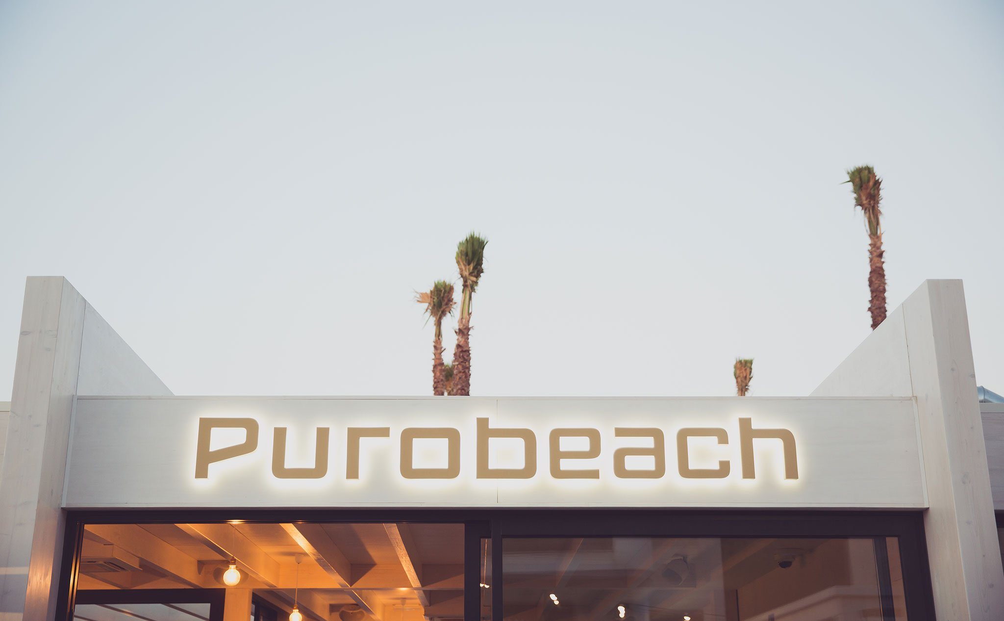 Label of Purobeach Dénia