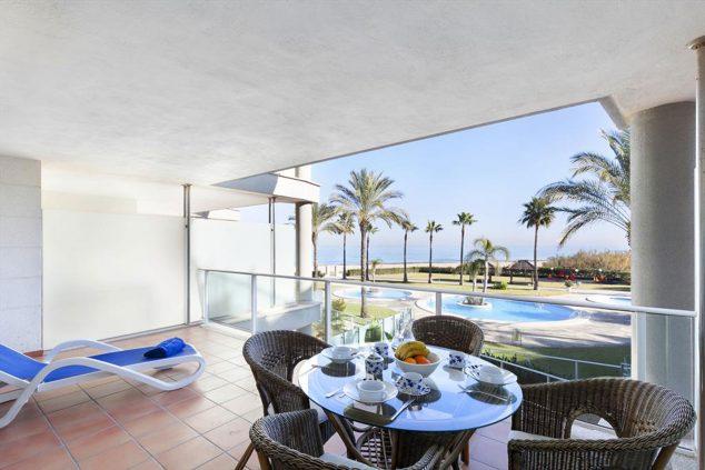 Imagen: Terraza con vistas en un apartamento de alquiler en Dénia - Quality Rent a Villa