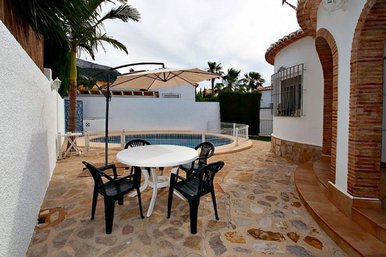 Terrace of a chalet for sale in Dénia - Euroholding