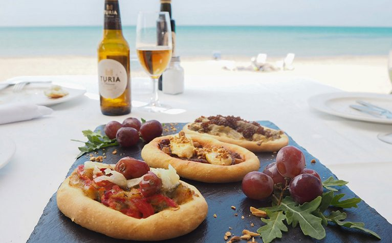 Have a snack by the sea in Dénia - Restaurant Noguera