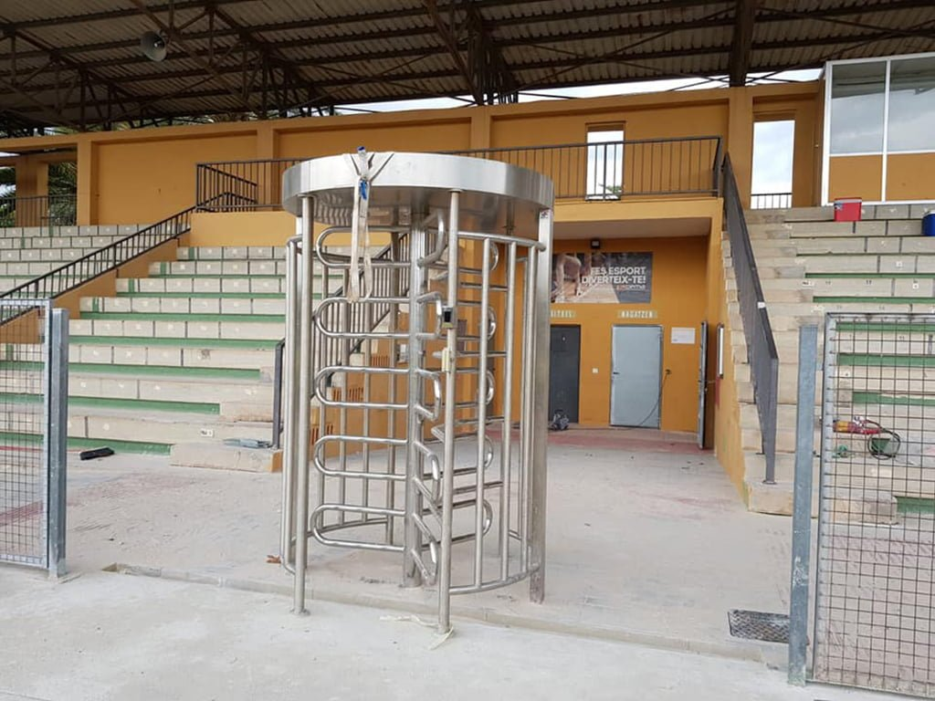 Track access lathe