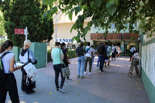 Image: Students accessing the exams at UNED Dénia