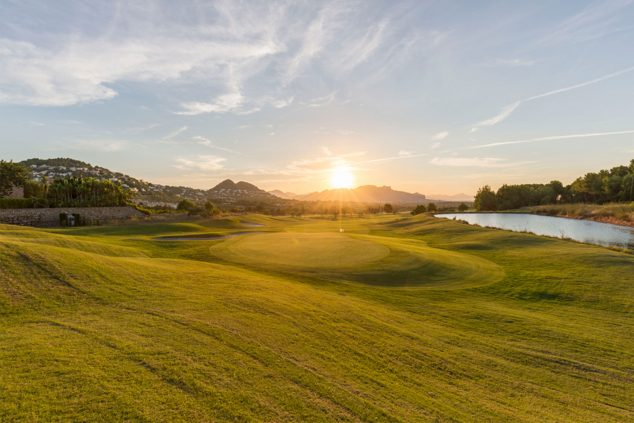 Afbeelding: Sunset at La Sella Golf