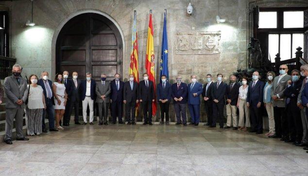 Imagen: Reunión de Ximo Puig con consules de distintos países