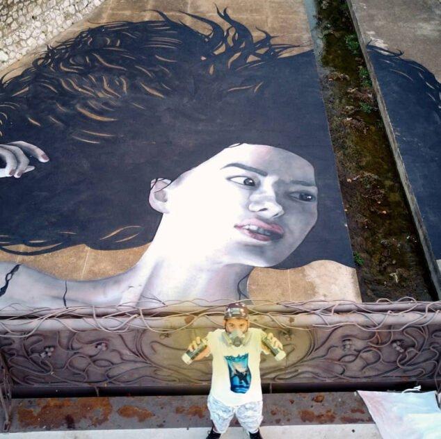 Imagen: Tardor junto a su último mural